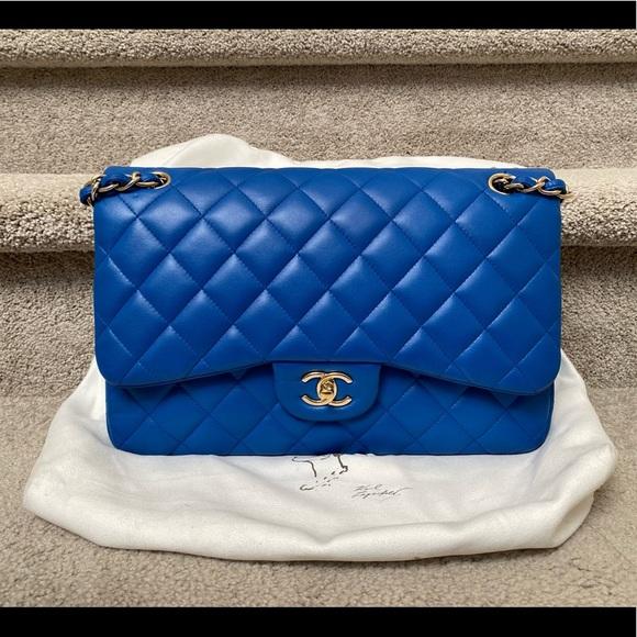CHANEL Handbags - SOLD Chanel jumbo double flap cf lambskin